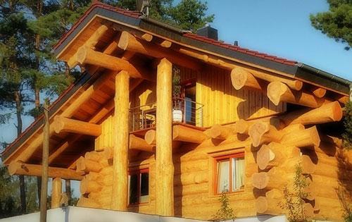 Blockhaus im modernen Stil